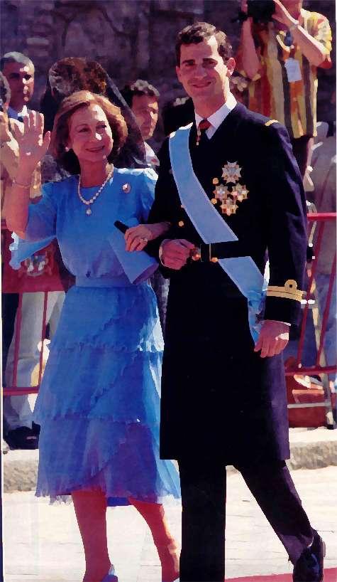 71be7ca80 Su Majestad la Reina Doña Sofía. Madrina.
