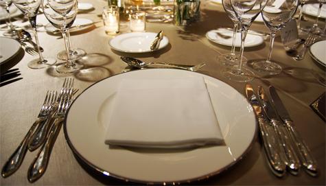 Usar de forma correcta los cubiertos protocolo etiqueta for Como colocar los cubiertos en la mesa