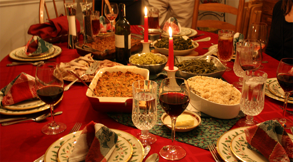 Poner la mesa en navidad elementos protocolo etiqueta for Mesas de navidad