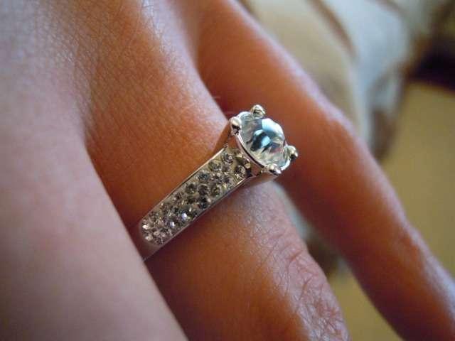 ff6e54c78a59 Diferencias entre anillo de pedida y anillo de boda