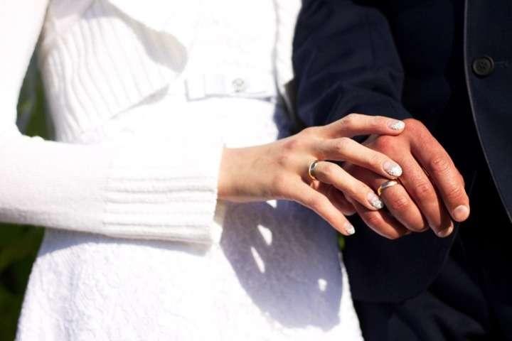 02705aa472a2 Diferencias entre anillo de pedida y anillo de boda