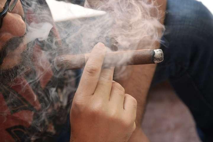 ¿Cómo se fuma un habano de forma correcta? El...