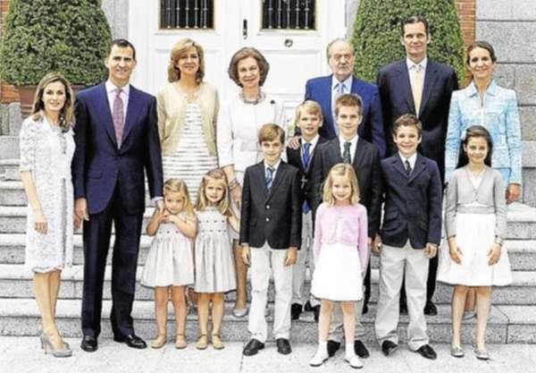Resultado de imagen de familia real