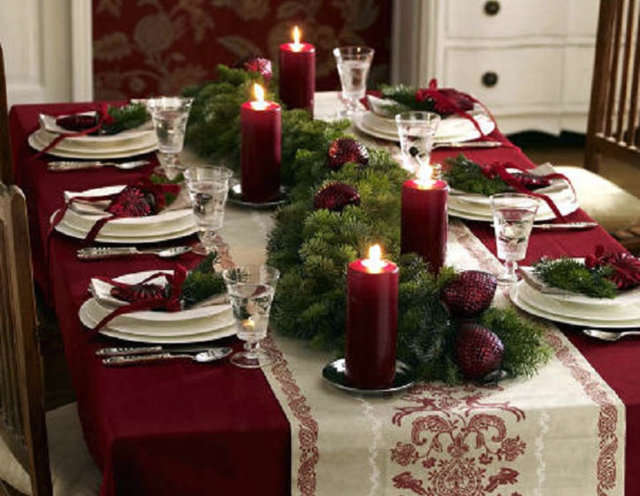 Christmas Decoration Formal Dining Room