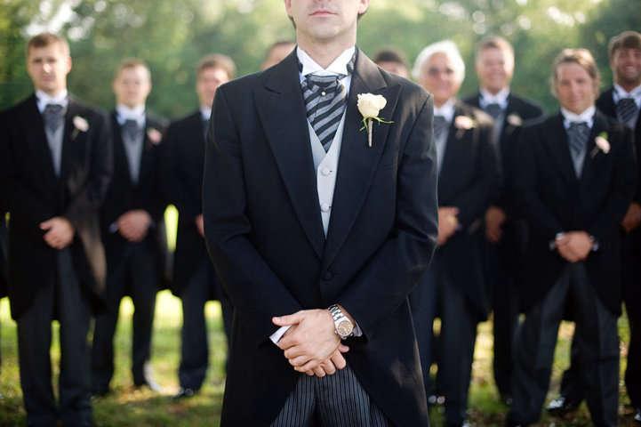 los padres los padrinos y los testigos en la boda