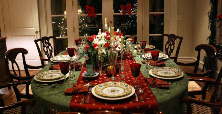 Poner la mesa en navidad elementos for Mesas para navidad