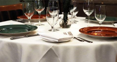 Protocolo social en la mesa poner la mesa comportarse for Protocolo cubiertos mesa