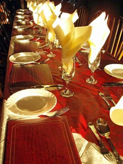 C mo montar una buena mesa para nochebuena y - Mesa para navidad decoracion ...