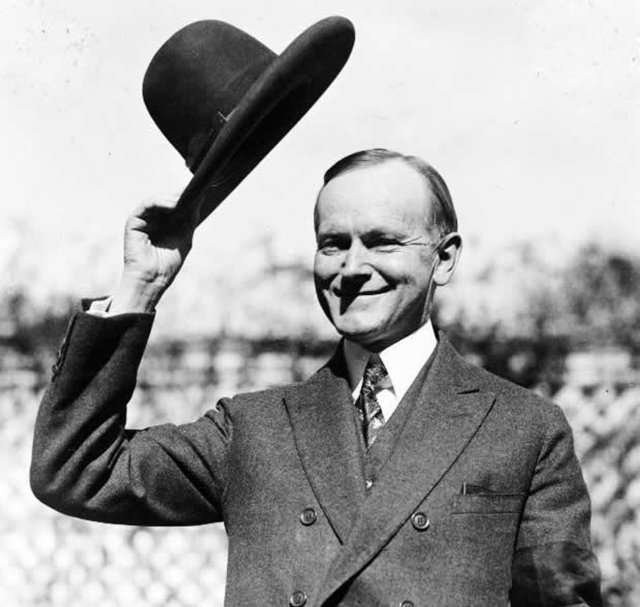 A tip of the hat (US President Calvin Coolidge, 1924).